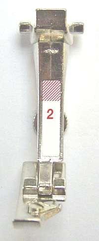 PIED OVERLOCK N°2A     (130)