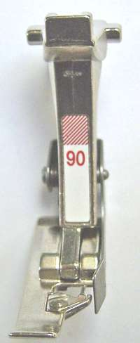 PIED OVERLOCK GUIDE N°90 (130)