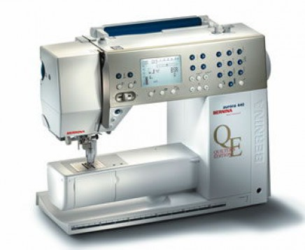 Machine a coudre BERNINA Aurora 440 avec came de broderie